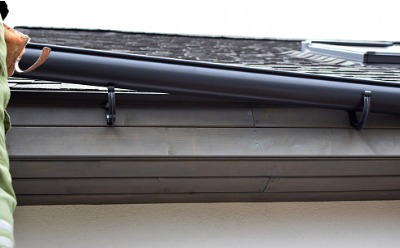 The placement of new gutters in East Peoria IL